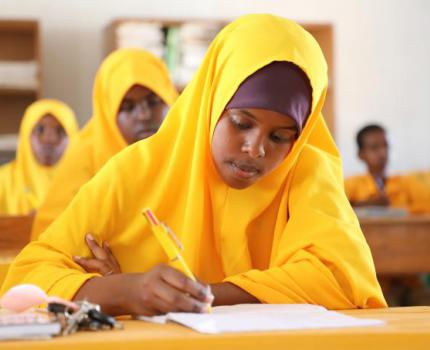 Somalia:  Coronavirus, conflict and climate crisis prevent children return to learning, Save the Children warns.